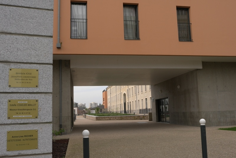 L'espace Simone de Beauvoir à Rennes, exemple d'une requalification urbaine réussie ? L1043913