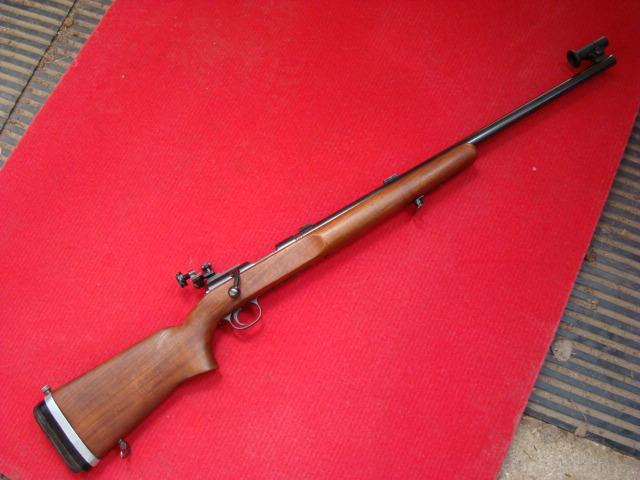 US Small Bore (22lr) History : Remington: 513 T, Mod 37, 40x  VS  Winchester 75, 52 Dsc01039