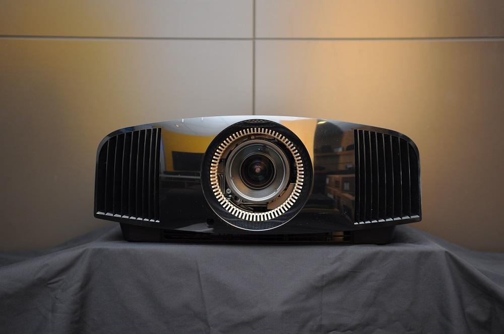 Sony VPL-Vw320 4K projector (Reserved) Dsc_2459