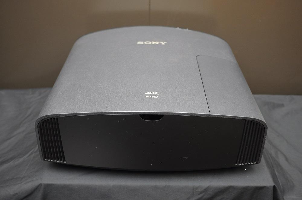 Sony VPL-Vw320 4K projector (Reserved) Dsc_2461