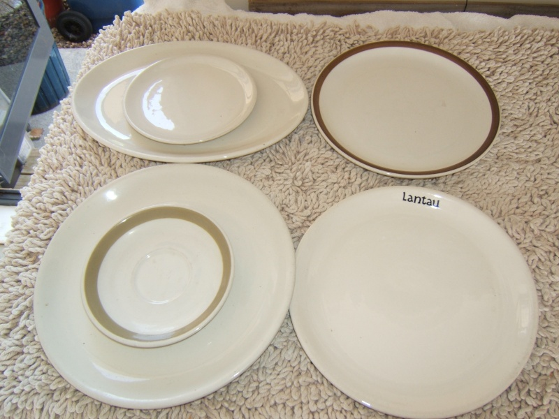 What do the numbers on Vitrified and Supervitried ware represent?  Answer - The Year made! - Page 2 Dscf4170