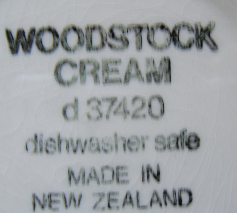 Woodstock Cream d37420 and Woodstock Grey d37410 Woodst11