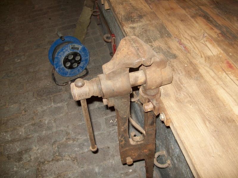 restauration étaux de forge cassé 101_0019