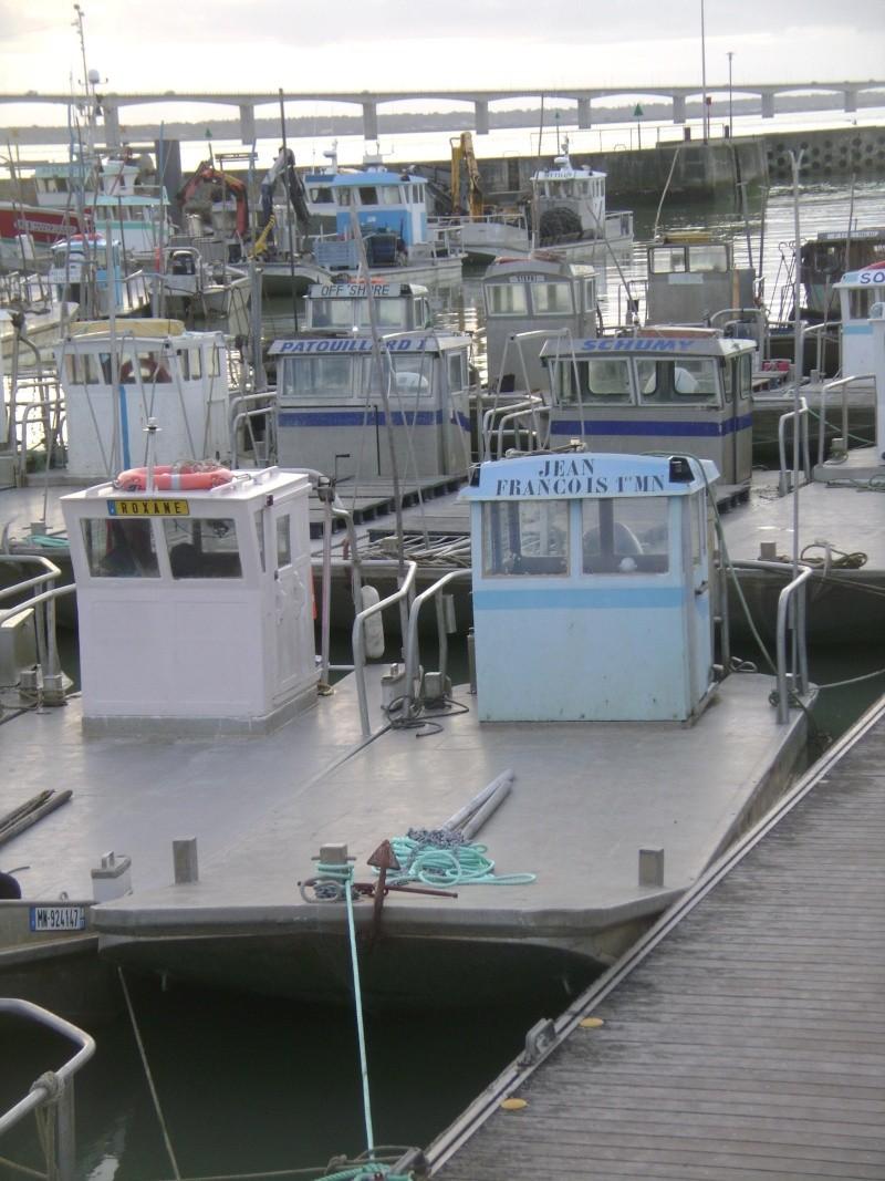 Barge , Chaland , Plate , Ponton et Lasse ostréicole. Dsc06781