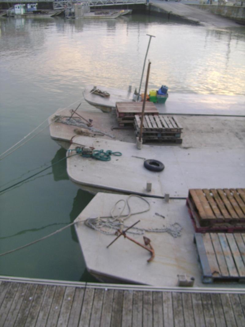 Barge , Chaland , Plate , Ponton et Lasse ostréicole. Dsc06831