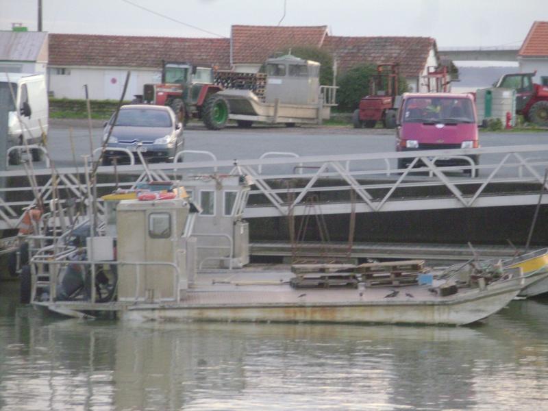 Barge , Chaland , Plate , Ponton et Lasse ostréicole. Dsc06833