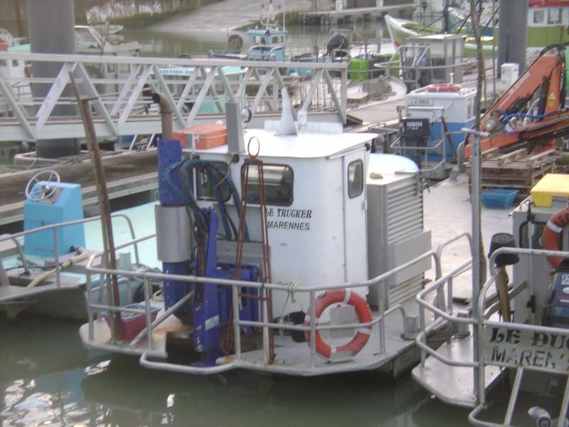 Barge , Chaland , Plate , Ponton et Lasse ostréicole. Dsc06840