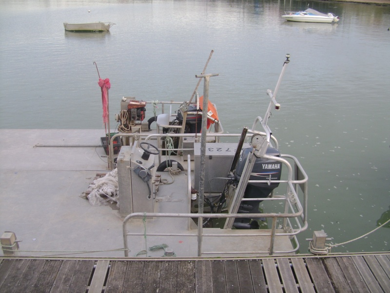 Barge , Chaland , Plate , Ponton et Lasse ostréicole. Dsc06841