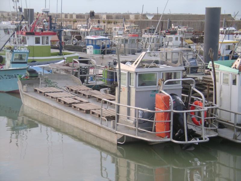 Barge , Chaland , Plate , Ponton et Lasse ostréicole. Dsc06845