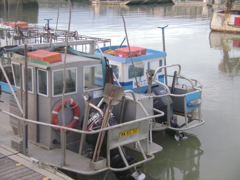Barge , Chaland , Plate , Ponton et Lasse ostréicole. Dsc06847