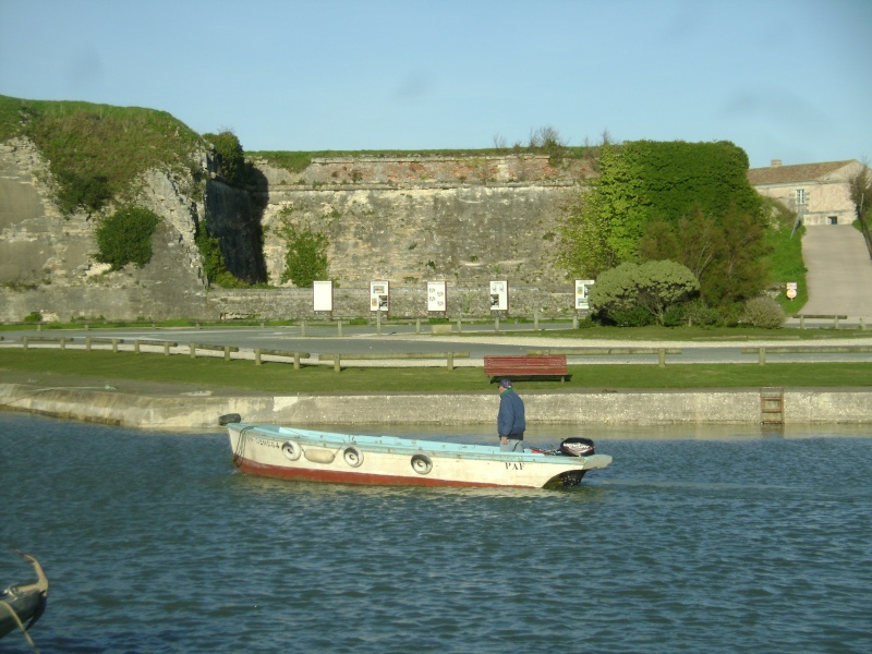 Barge , Chaland , Plate , Ponton et Lasse ostréicole. Dsc06858