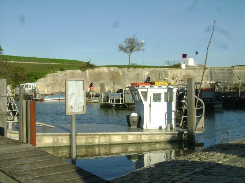 Barge , Chaland , Plate , Ponton et Lasse ostréicole. Dsc06859