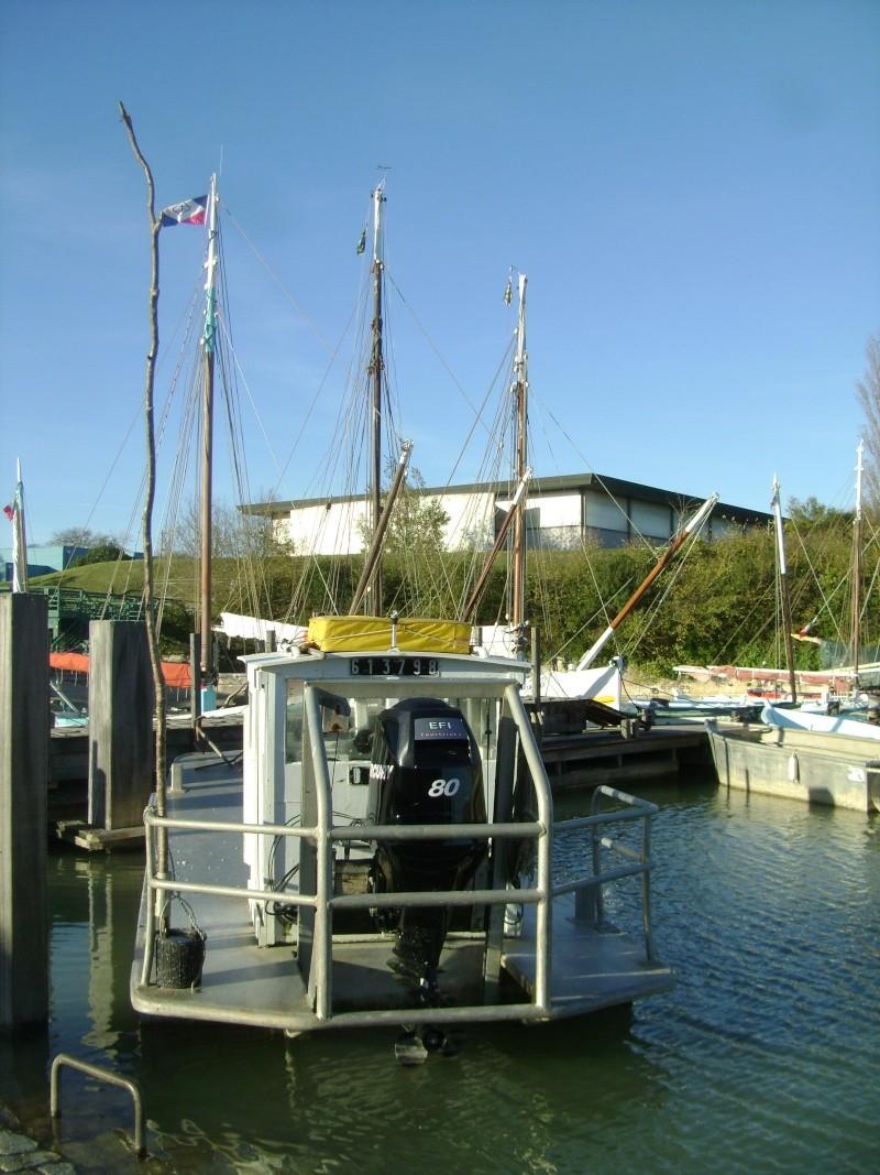 Barge , Chaland , Plate , Ponton et Lasse ostréicole. Dsc06864