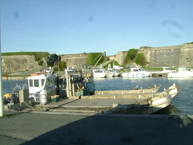 Barge , Chaland , Plate , Ponton et Lasse ostréicole. Dsc06869