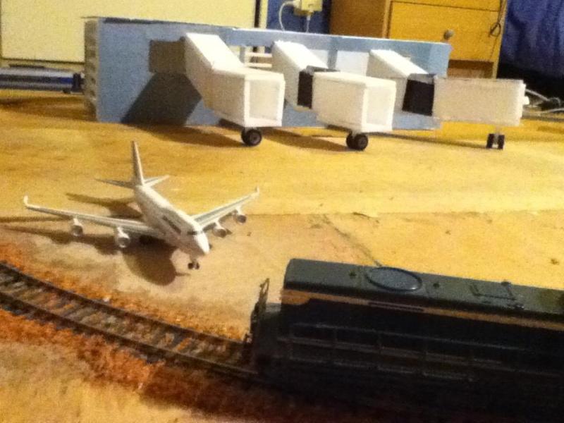 maquette férrovière et aéroport 210