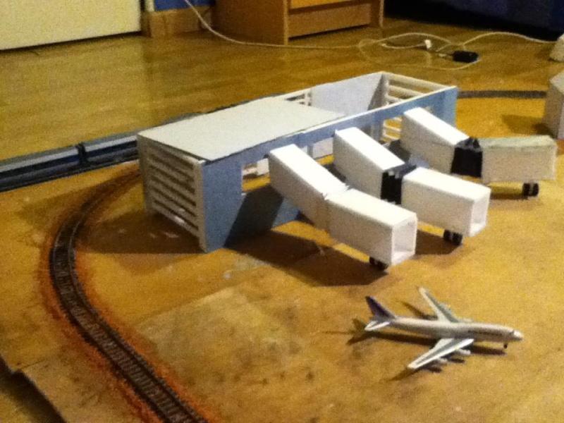 maquette férrovière et aéroport 710