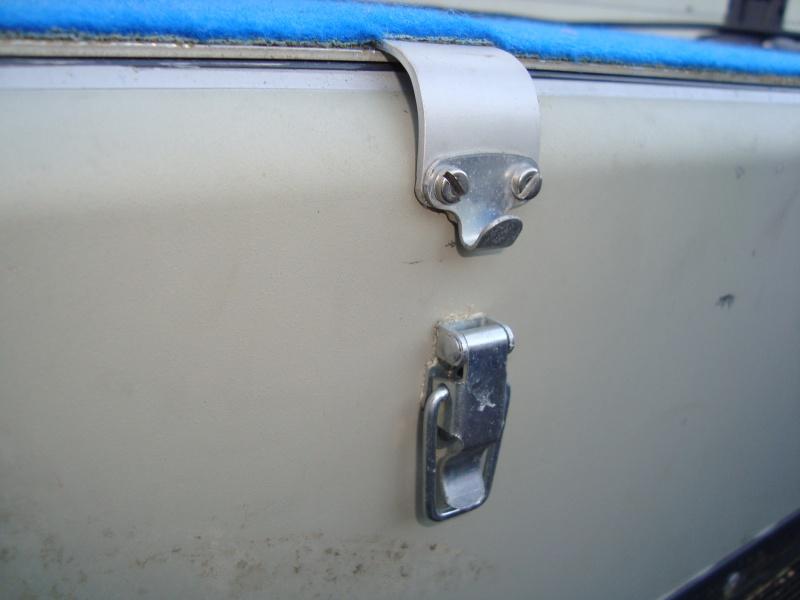 Fermoir de coffre bateau Dsc01010