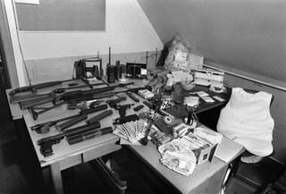 Caïds story, un siècle de grand banditisme /   Episode 2 : Les voyous dans la guerre   7f573f10