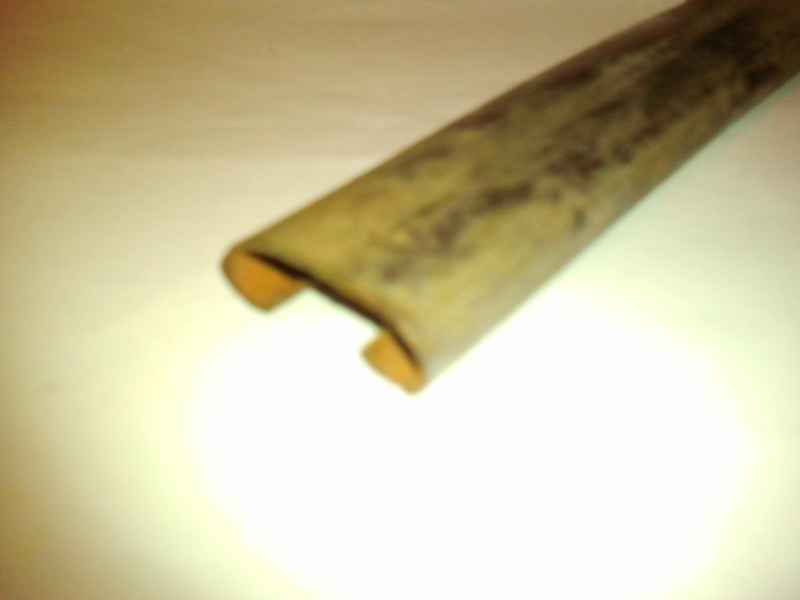 Barre de capot Photo013