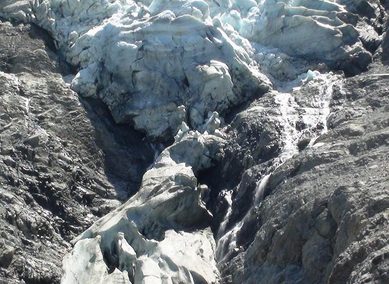 Le glacier des Bossons - Page 2 1aout210