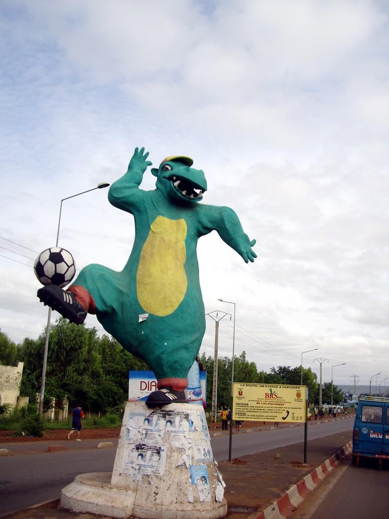 [MALI] - Les monuments sur les ronds-points de Bamako - Page 2 D2-71710