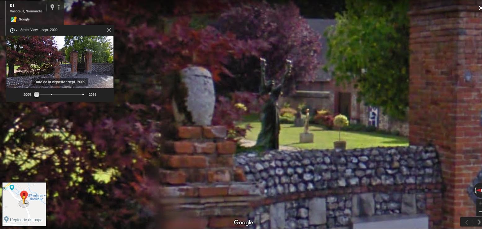 Statue de la Liberté = les répliques découvertes grâce à Google Earth - Page 6 Dali10