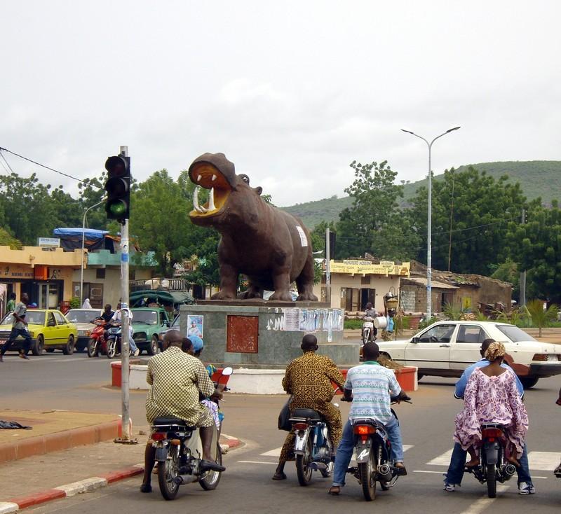 [MALI] - Les monuments sur les ronds-points de Bamako E2-71810