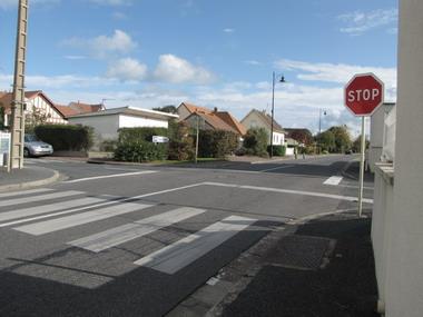 """Croisements problématiques à 4 """"STOP"""" Img_0310"""