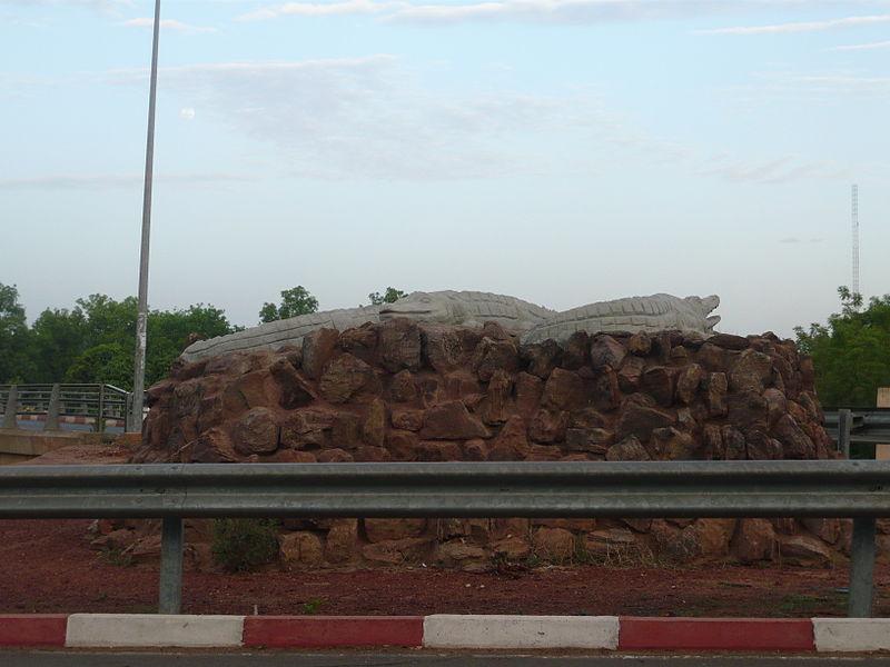 [MALI] - Les monuments sur les ronds-points de Bamako Q2_cai10