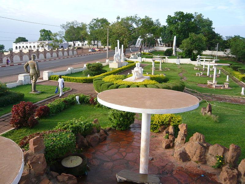 [MALI] - Les monuments sur les ronds-points de Bamako V2-pla10