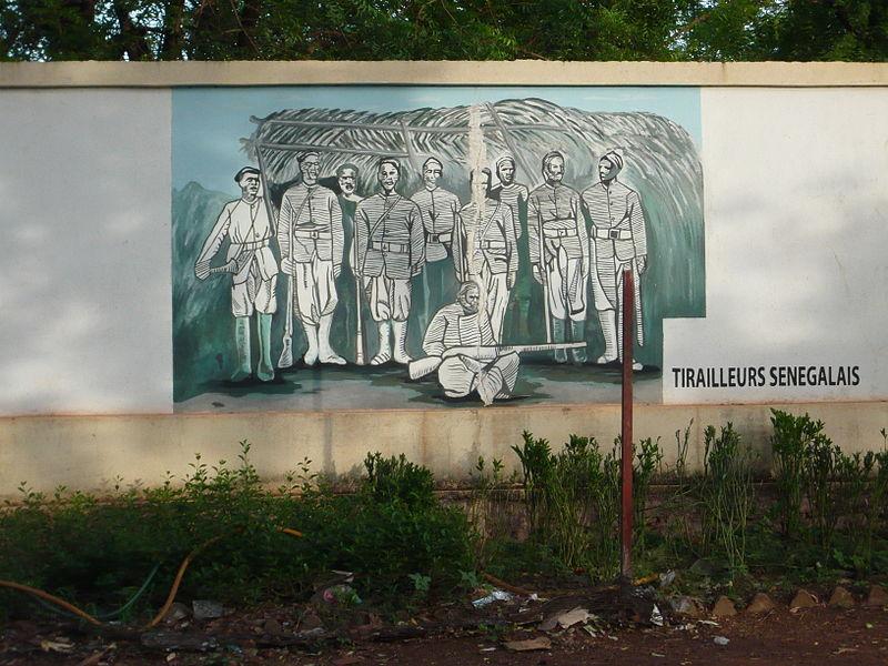 [MALI] - Les monuments sur les ronds-points de Bamako - Page 2 X2-fre10