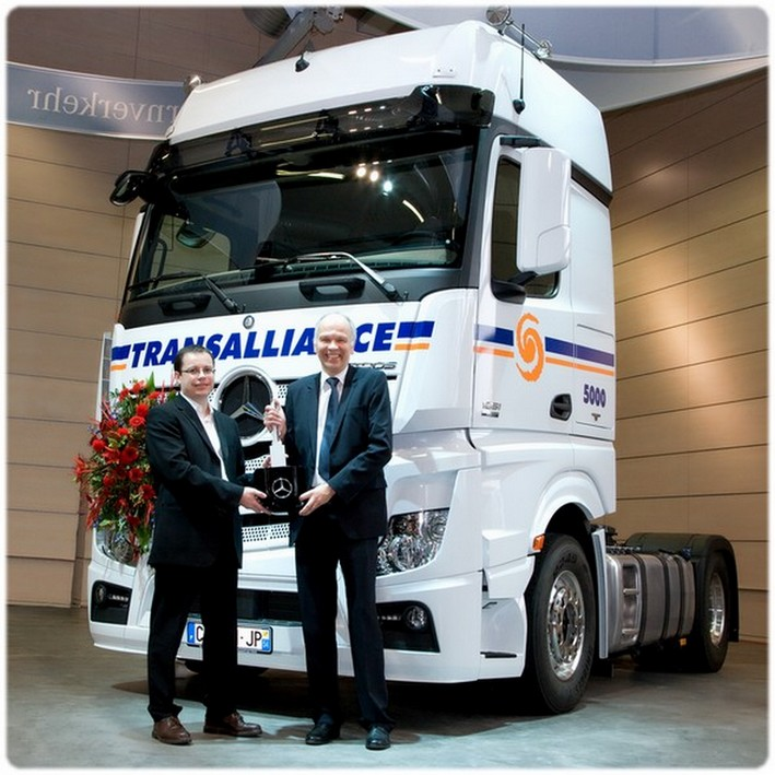Groupe Transalliance (54) - Page 2 Actros11