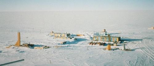 """El lago Vostok : """"El último misterio de la Tierra"""" Base-r10"""