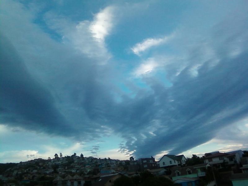 Nubes Extrañas..(segun yo xd) Foto_a51