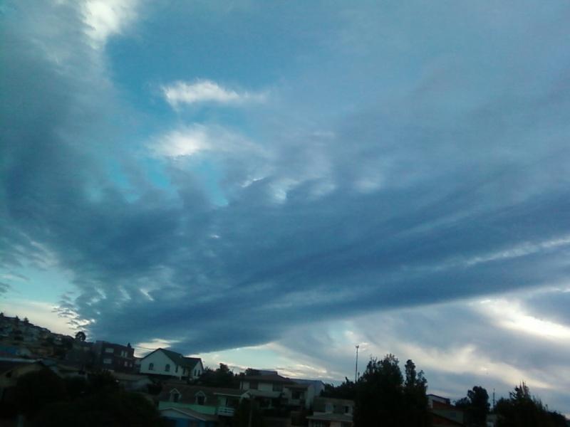 Nubes Extrañas..(segun yo xd) Foto_a52