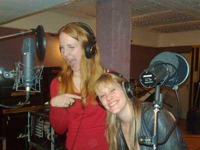 Simone Simons (Epica) y Floor (Ex After Forever) Simone10