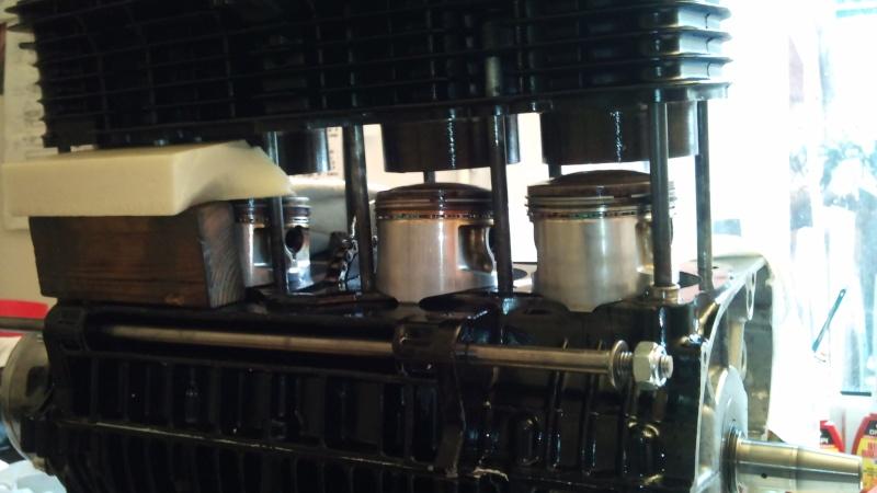 café racer sur base cadre  martin - Page 3 Dsc_1215