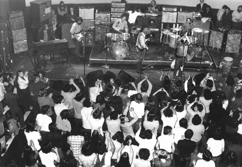 Grateful Dead - Page 2 1970de10