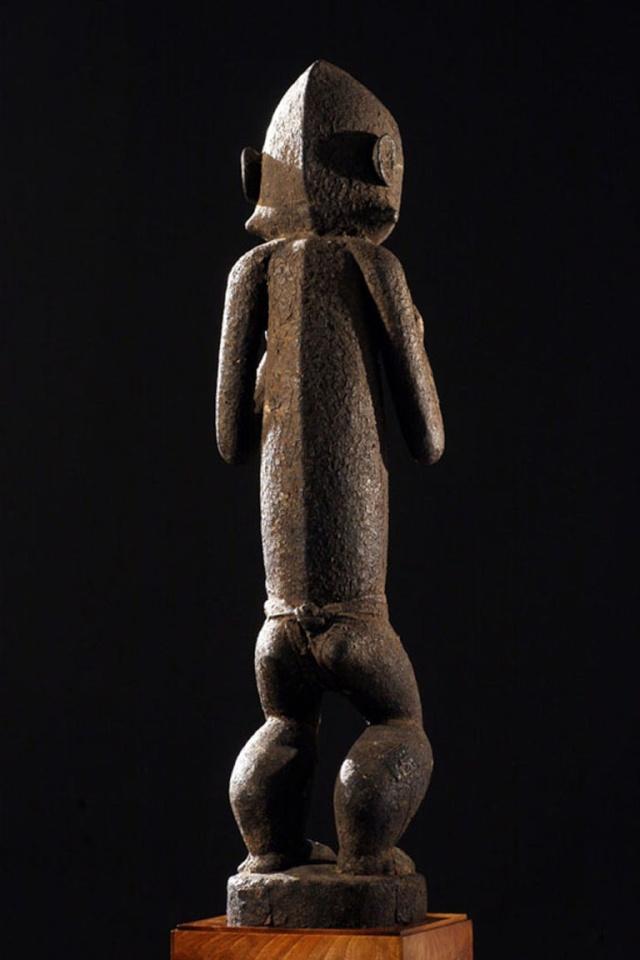 Baoulé people, Gbèkrè, Monkey Figure (Mbotumbo), Ivory Coast 112