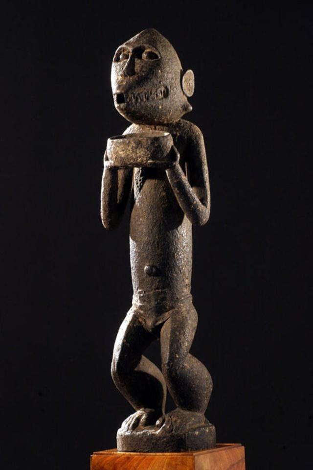 Baoulé people, Gbèkrè, Monkey Figure (Mbotumbo), Ivory Coast Gbakra23