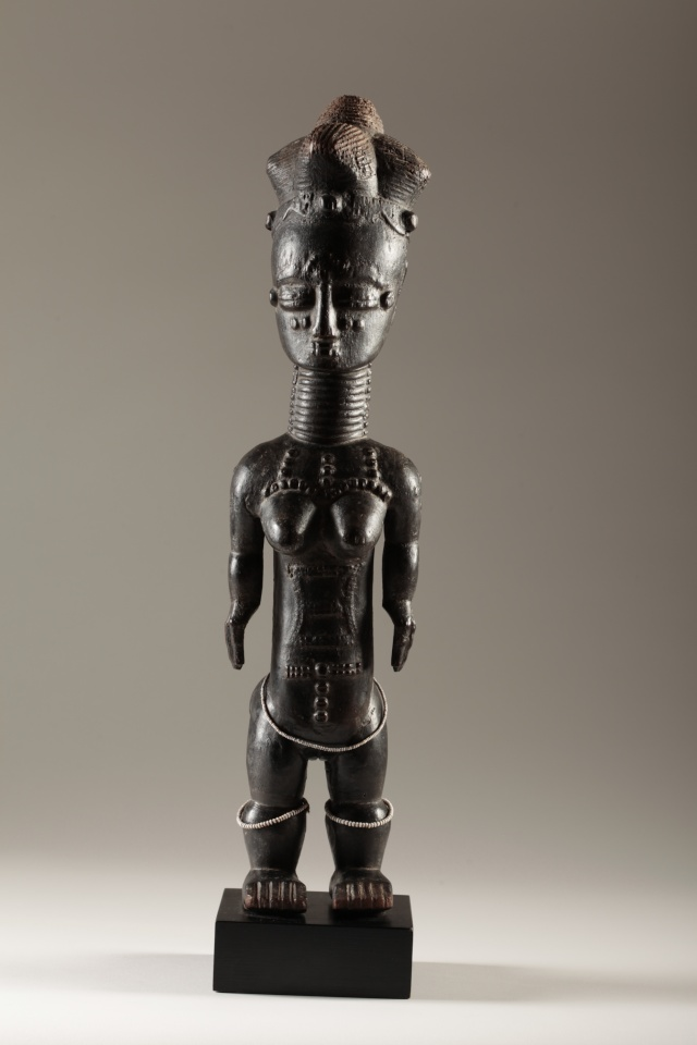 "Anyi or Agni People, Subgroup Alangwa, Female Statue,""Maître des Couronnes"", Southeastern Ivory Coast Img_0013"