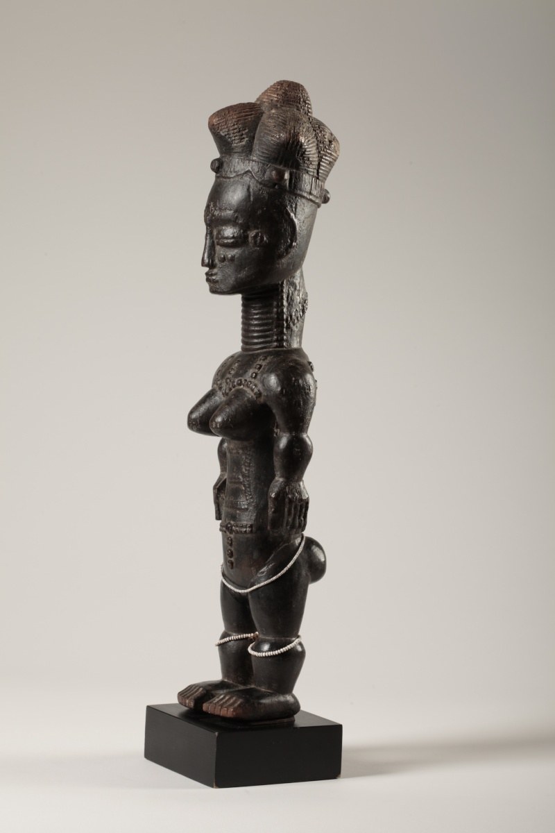 "Anyi or Agni People, Subgroup Alangwa, Female Statue,""Maître des Couronnes"", Southeastern Ivory Coast Img_0031"