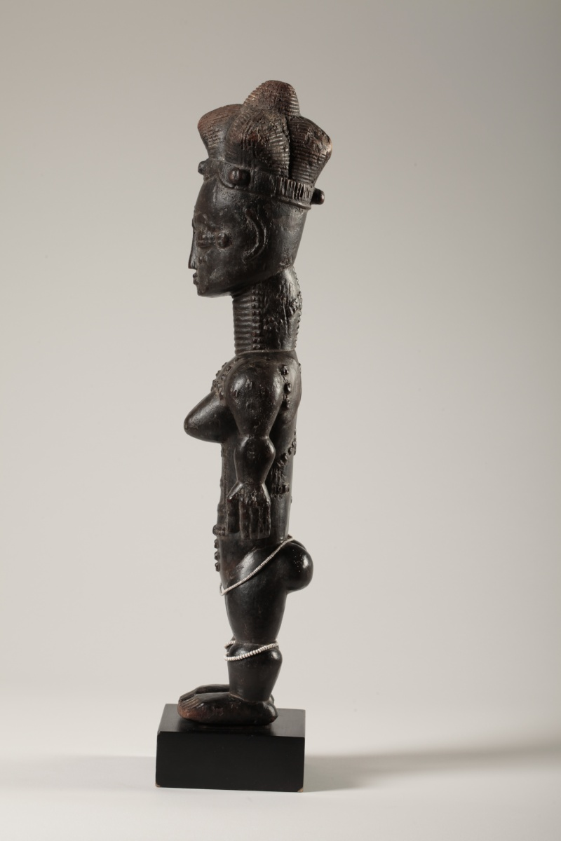 "Anyi or Agni People, Subgroup Alangwa, Female Statue,""Maître des Couronnes"", Southeastern Ivory Coast Img_0032"