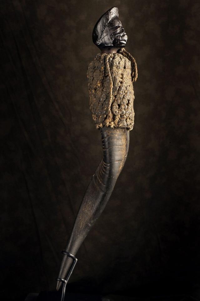 Makonde people, Diviner's Horn (Féticheur), Mtete,  Mueda plateau, southeast Tanzania and northern Mozambique Makond13