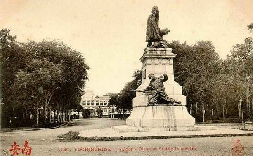 Le monument aux fusiliers & commandos à Lorient... Monume11