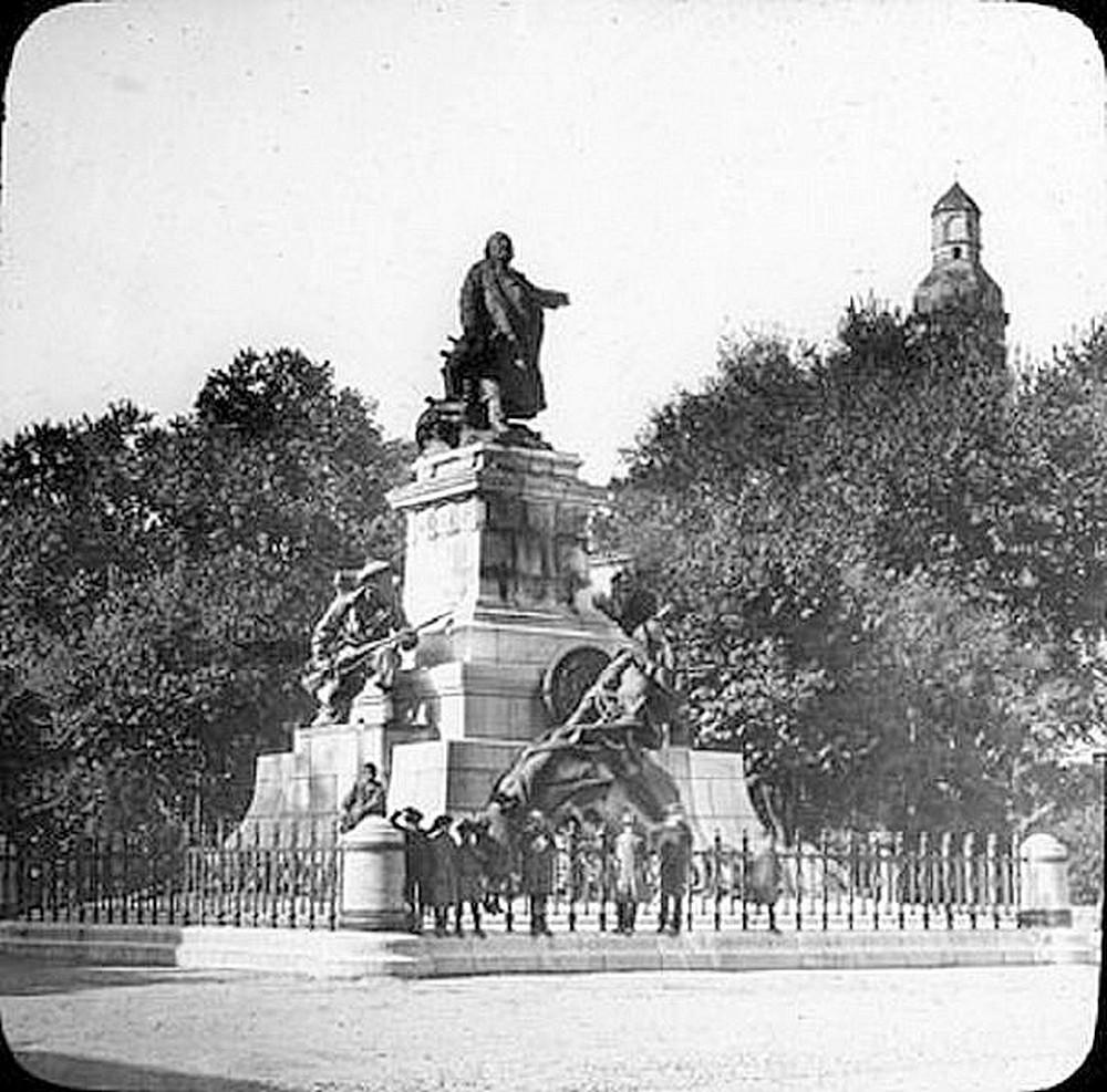 Le monument aux fusiliers & commandos à Lorient... Monume12
