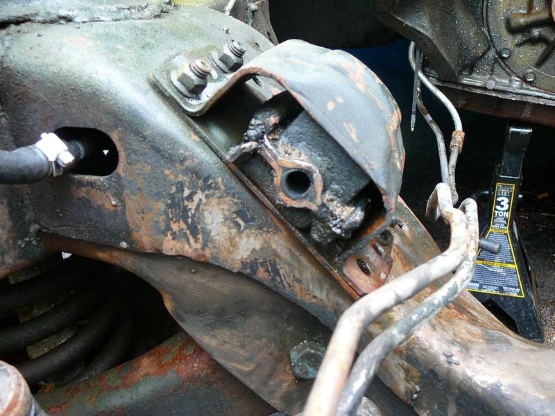 Engine Mount help P1030428
