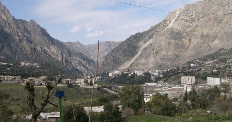 La Ville de Kherrata - Bejaia La_vil10