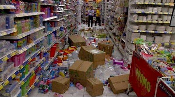 M6.1 sismo golpea Bali con lesiones debido al pánico y daños moderados temblores Indone10