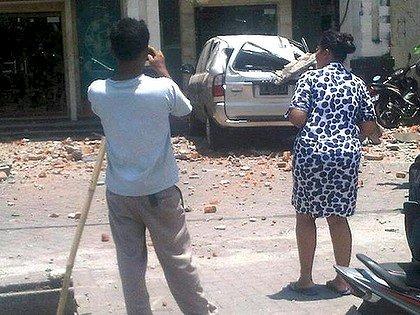 M6.1 sismo golpea Bali con lesiones debido al pánico y daños moderados temblores Indone11